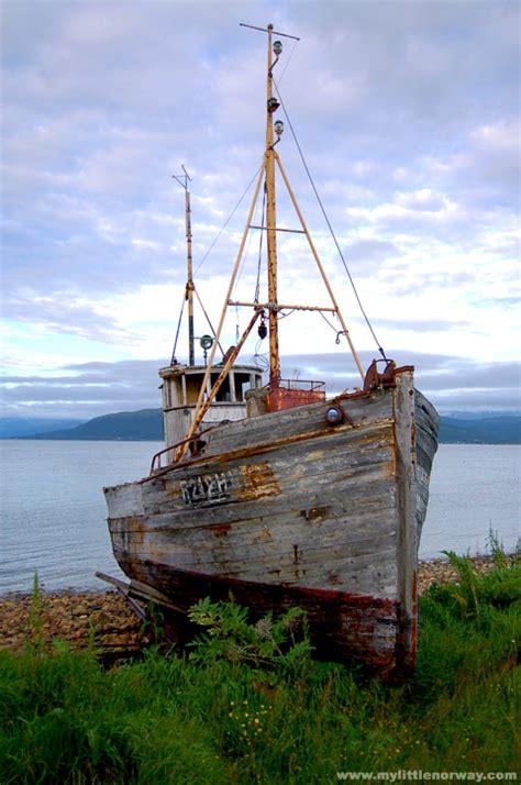 old fishing boat images - Old Fishing Boat Images