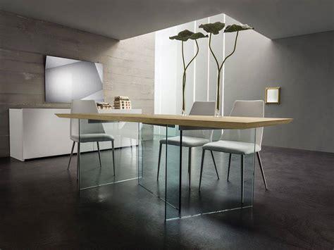 tavolo in vetro e legno sospiro