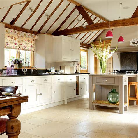 Cream Country Kitchen Ideas cream kitchens 10 beautiful schemes