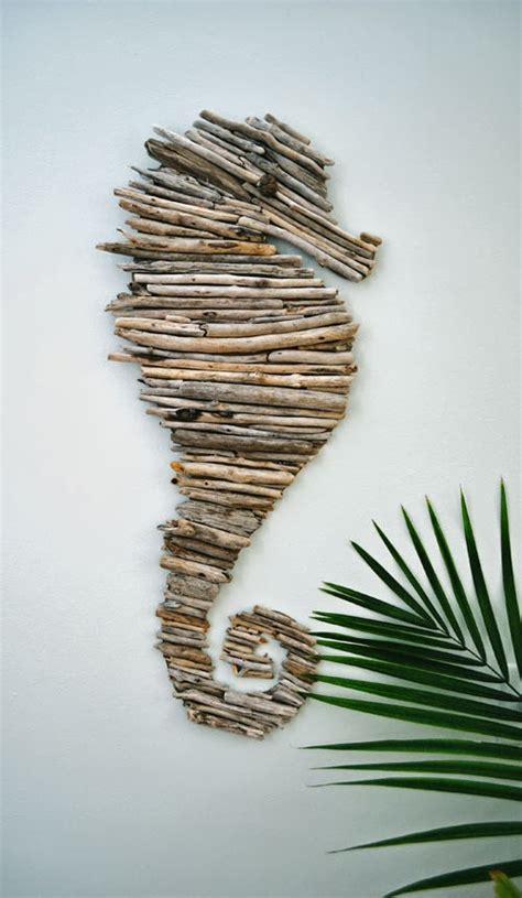 15 beautiful and sensible driftwood crafts for a shabby chic home