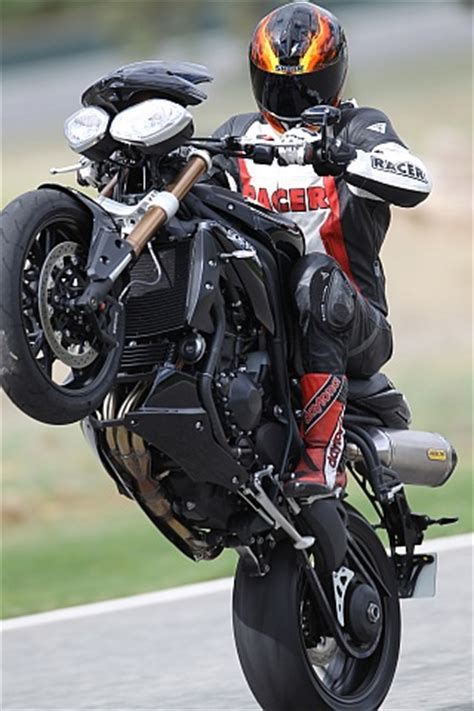 Triumph Motorrad Zentrale by Triumph Speed Testbericht