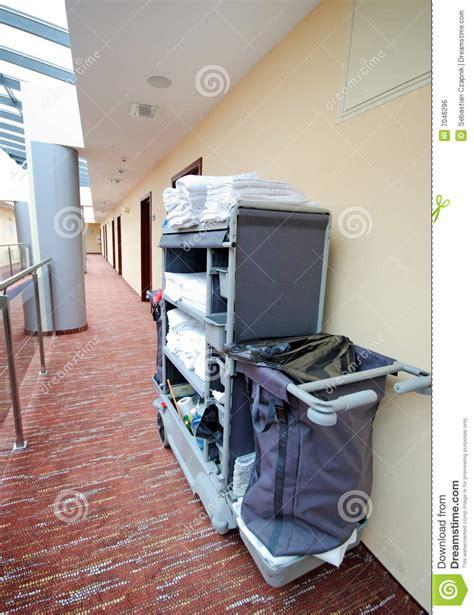 nettoyage de chambre chariot 224 nettoyage de chambre d h 244 tel image libre de