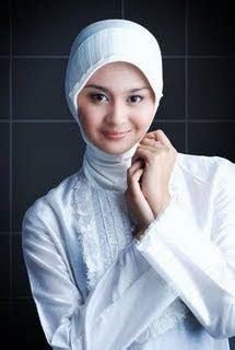 Cari Model Jilbab station guru cantik lembut sabar cari jodoh