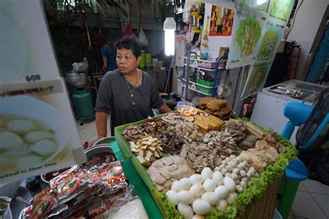 new year food stalls melbourne bangkok food stalls will be banned you ve got to