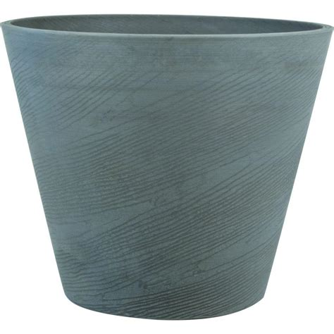 Grey Plastic Planters by Pride Garden Products Oak 22 In Light Gray Plastic