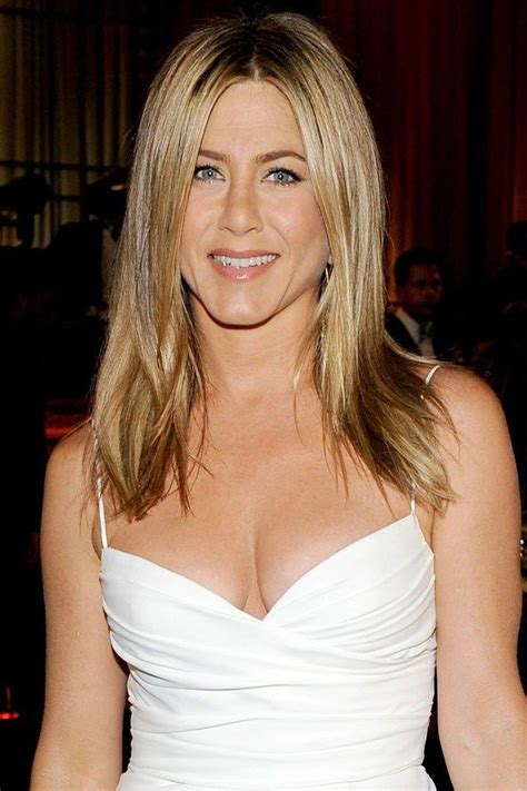 celebrities with oblong faces and thin hair celebrities who have oval face shapes jennifer aniston