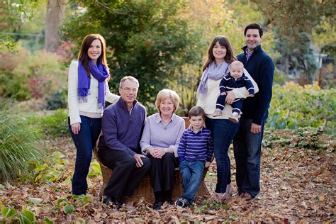 family photo color schemes color schemes for family pictures what to wear for