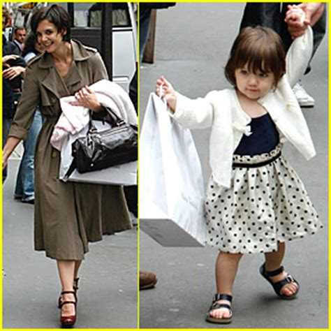 Holmess Shopping Spree For Suri by Suri S Shopping Spree In Babies