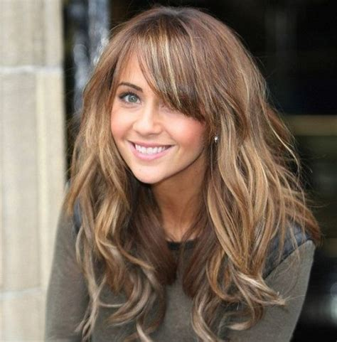 light hair color framing face with brown in back 50 astonishing hairstyles for brown hair with lowlights