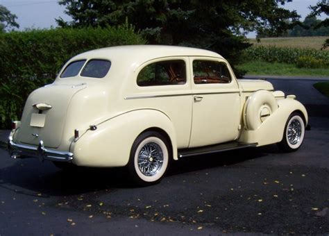 buick 1936 34 40 2 door sedan benzine uit 1936 www kenniscars nl 1937 buick series 40 2 door sedan custom 60995