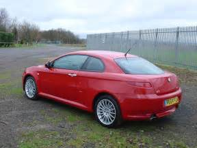 Alfa Romeo Gt Reviews Alfa Romeo Gt Coupe Review 2004 2010 Parkers