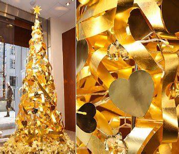 Lingkaran Natal Unik pohon natal emas seharga rp 17 miliar kabar berita