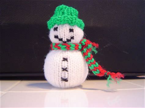 how to knit a snowman pattern ravelry spunknit s knitted snowman pattern by drogato