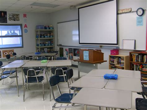 Desk Arrangements For Middle School by Tuesday Tips Ditch The Rows Of Desks Empathic