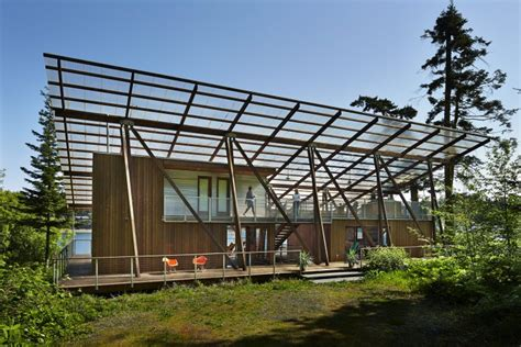 beach house seattle see a modern beach house that is the essence of summer c the seattle times