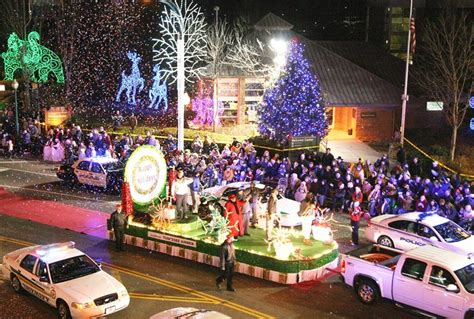 Vacation Home Rentals In Gatlinburg Tennessee - 2016 gatlinburg christmas parade cancelled