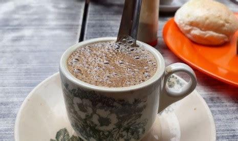 latar belakang membuat usaha kedai kopi ada kopi telanjang di pontianak mau nyicip uzone