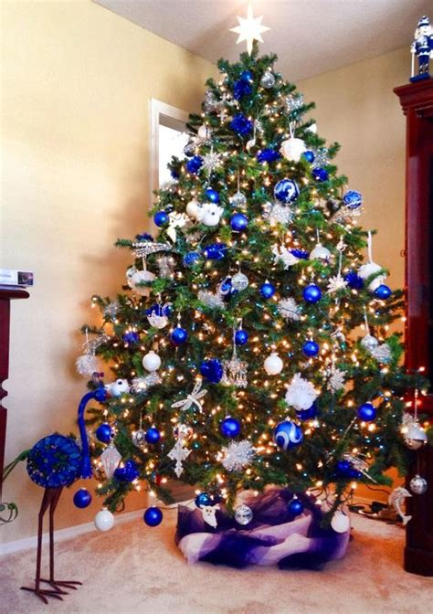 blue and silver tree ideas 35 frosty blue and white d 233 cor ideas digsdigs