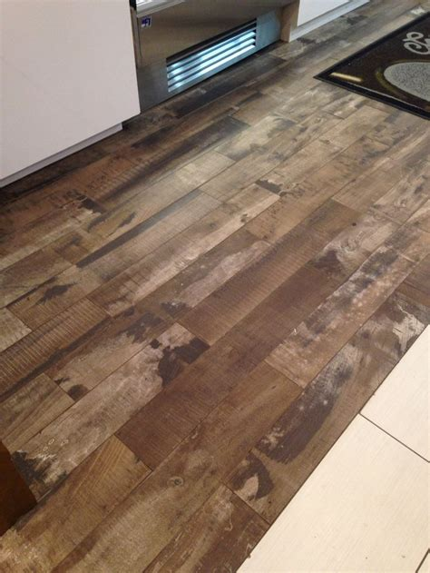 25 b 228 sta id 233 erna om gray paint colors p 229 pinterest carrelage imitation plancher bois 28 images le