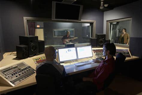 Recording Engineer Description by Description Of A Recording Engineer Description Of A Recording Engineer Howstuffworks