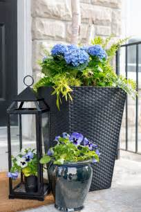 Planters For Front Porch by 25 Best Ideas About Planters On Outdoor