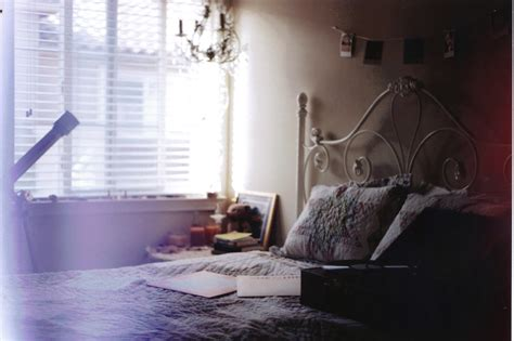 wallpaper dark love shadow bed wall purple table
