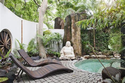 Impressionnant Le Bon Coin Salon Jardin #5: amenagement-jardin-zen-statue-bouddha.jpg