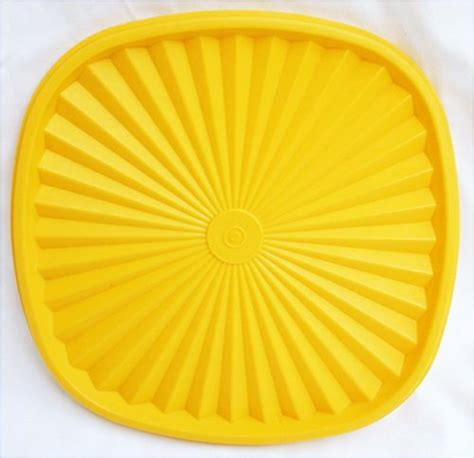Seal Square Tupperware tupperware press and seal square 837 replacement lid 8 1 2