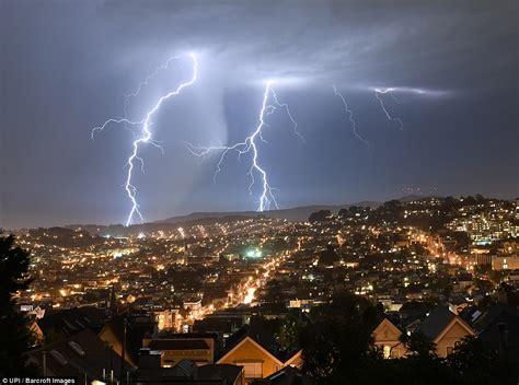 lighting in california more than 800 lightning strikes hit northern california