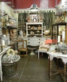 antique decorating ideas 25 best ideas about antique mall booth on pinterest