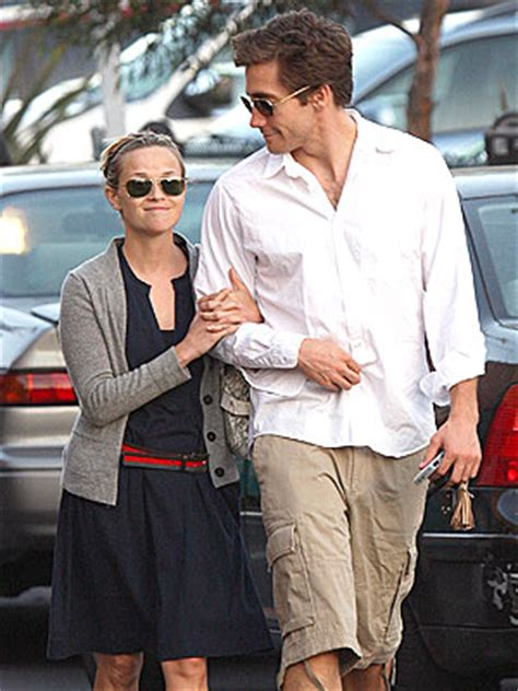 Reese Witherspoon And Jake Gyllenhaal Are Ticking Me 12 by Tracks Monday May 19 2008 Lazy Saturday
