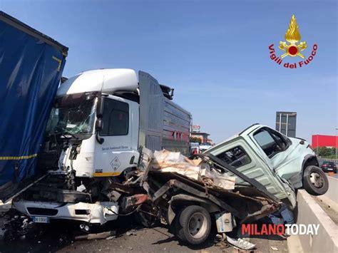 autostrada web grosso incidente in autostrada