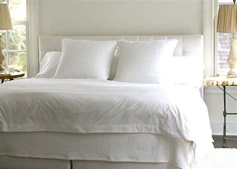 how to bleach a white comforter 25 best ideas about cleaning white sheets on pinterest