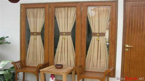 Batang Gorden Rollet Polos 2m harga mulai belasan ribu rupiah gorden jendela kecil punya banyak varian kurs rupiah