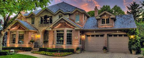 discover seven cedar roof shingle homes you will want to build cedar shingles vs shakes which roof should you install