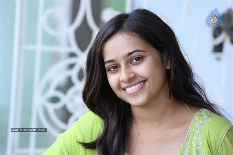 actress sri divya latest photos sri divya latest photos photo 26 of 80