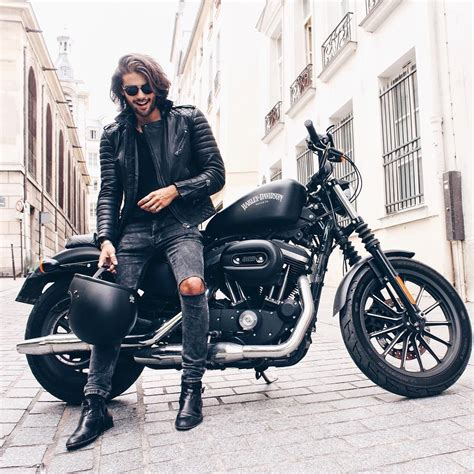 Instagrammer Iamrenanpacheco In Leather Kuže