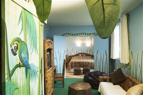 hotel chambre a theme explorers hotel at disneyland 174 sur h 244 tel 224