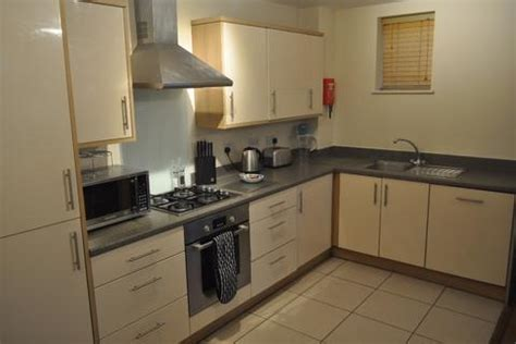 2 bedroom to rent slough 2 bed flats to rent in slough latest apartments onthemarket