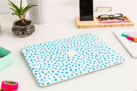 Decorate Laptop by 18 Ways To Decorate With Wallpaper