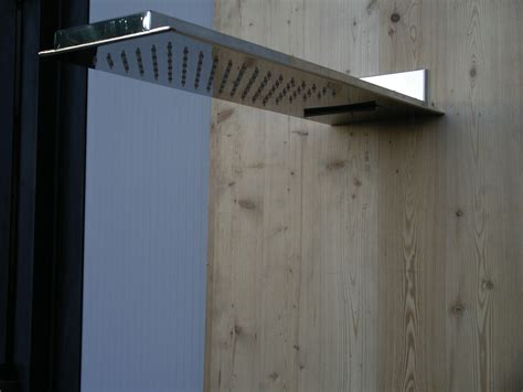soffione doccia a parete realizzazione soffioni doccia in acciaio inox venezia