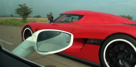 Koenigsegg Agera R Vs Koenigsegg Agera R Vs 458 Italia Interiour View