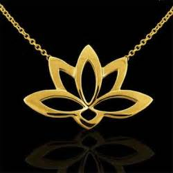 White Gold Lotus Flower Necklace Vintage Style 18k White Gold And Green Emerald