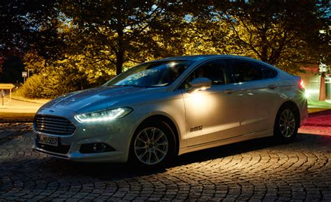 apex advanced automotive lighting system ford previews new advanced headlight technology