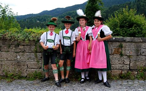 traditional german s clothing traditional german clothing germany traditional dress