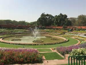 delhi mughal gardens details a few things