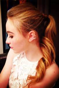 sabrina carpenter hair color sabrina carpenter wavy medium brown high ponytail