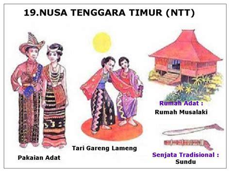 Batu Daerah Sumba Timur Ntt cerelia amanda pakaian tarian rumah adat senjata