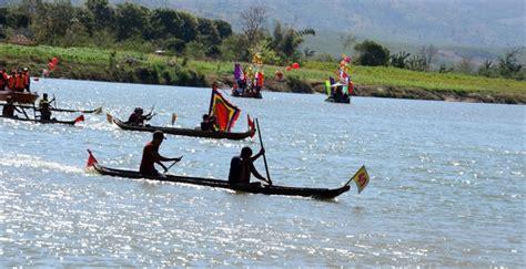 new year race across the river boat races celebrate lunar new year news vietnamnet