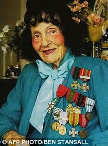 An American Heroine In The Resistance Hundreds Mourn Resistance Heroine Who Saved 102 Allied Pilots From